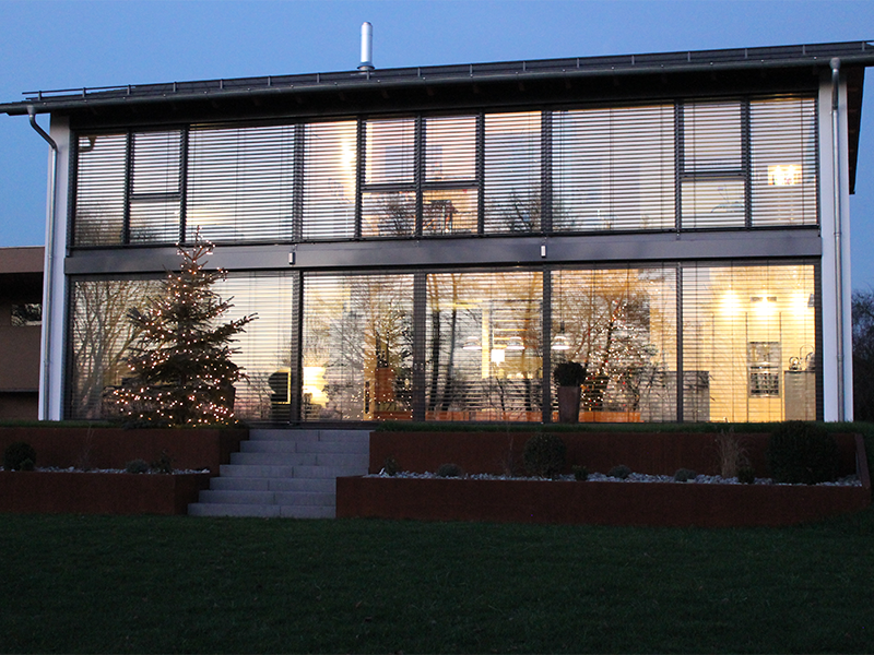 Wohnhaus mit Glasfront Kirchroth